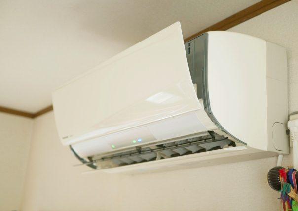 フィルター掃除付きエアコン